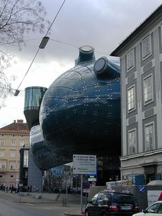 Kunsthaus Graz or Graz Art Museum (contemporary art), Graz, Austria by identity chris is, via Flickr