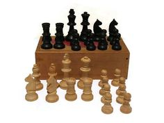 Vintage Staunton chess set from the 1940s.  by WhiteHartAntiques