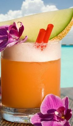 This refreshing cantaloupe cocktail is perfect for enjoying on the beaches of #SouthCaicos