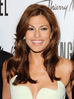 eva mendes not only is gorgeous but always has the most stunning shiny brunette hair.. i love the warmth of this colour!
