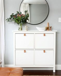 One of the best things about IKEA pieces is the myriad ways you can tweak, hack, tinker with, and customize them to create beautiful, unique pieces on a reasonable budget. Take a look at these 7 super simple IKEA hacks. Apartment Entryway, Apartment Living, Apartment Therapy, Living Room, Ikea Small Apartment, Apartment Bedrooms, Home Interior, Interior Design, Apartment Interior