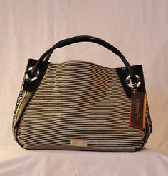 Meridiano Products importiert und vertreibt handgemachte Taschen und Lederprodukte aus Lateinamerika. Aktuell bieten wir eine Damen Kollektion mit zwei Marken an, Limon Piel und Adalgiza Lopez. Diaper Bag, Choices, Artisan, Bags, Fashion, Latin America, Branding, Handbags, Moda