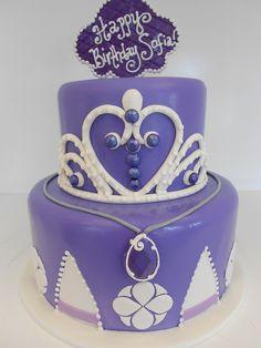 Purple Princess Cake I think its for need glamorous flower gift. Princess Sofia Cake, Purple Princess Party, Princess Jasmine Party, Princess Birthday, Girl Birthday, Princess Theme, Birthday Ideas, Birthday Parties, Sofia The First Cake