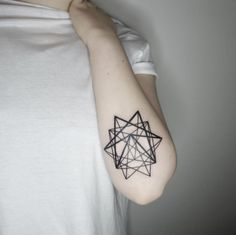 These Minimal Geometric Tattoos Will Make You Want To Get Inked | UltraLinx