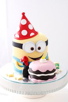 Minion cake could make using round mini minions Pretty Cakes, Cute Cakes, Beautiful Cakes, Yummy Cakes, Amazing Cakes, Bolo Minion, Minion Cakes, Bake A Boo, Minion Birthday