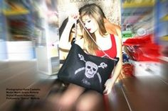 Kilesa#fashion#kilesaitalia#skull#skullbag#feltbag#felt#halloween#halloweenbags