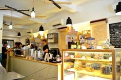 Tucked away conveniently within walking distance of Tiong Bahru MRT, this café offers a selection of brunch menu as well as pastries and mains! Try their aromatic coffee and get hooked!