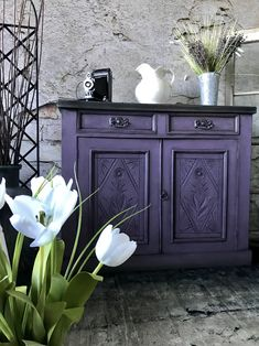 "Annie Sloan's Charleston Collection. chalk paint in "" Rodmell "" Furniture painted annie sloan The Reclaimed Heirloom Chalk Paint Cabinets, Chalk Paint Furniture, Cool Furniture, Purple Furniture, Furniture Refinishing, Bohemian Furniture, Annie Sloan, Furniture Makeover, Colours"