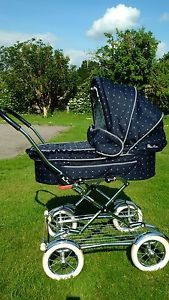 Silver-Cross-traditional-style-vintage-pram-in-excellent-condition