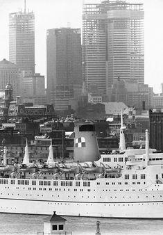 Construction de la Place Ville Marie Montreal Ville, Montreal Quebec, Quebec City, Laval, Photo Vintage, My Kind Of Town, 10 Picture, Canada Travel, Construction