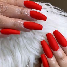 23 Matte Nail Art Ideas That Prove This Trend is Here to Stay Red Matte Nails, Bright Red Nails, Matte Nail Art, Coffin Nails Matte, Red Acrylic Nails, Gold Nails, Green Nails, Nail Art Pen, Short Nail Designs