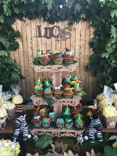 Cool cupcakes at a safari birthday party! See more party ideas at CatchMyParty.com!