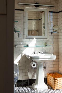 The 50s Bathroom