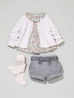 Silhouette Girls' A-line cardigan + babies' print blouse + babies' flannelette shorts + girls' plain tights Fashion Kids, Little Girl Fashion, Toddler Fashion, Suit Fashion, Short Bebe, Cardigan Bebe, Jumper Dress, Outfits Niños, Look Girl