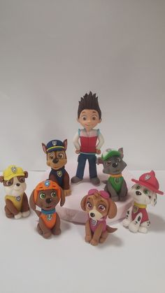 Discover recipes, home ideas, style inspiration and other ideas to try. Paw Patrol Birthday Cake, 4th Birthday Cakes, Paw Patrol Party, Torta Paw Patrol, Paw Patrol Cake Toppers, Cake Disney, Cumple Paw Patrol, Fondant Animals, Character Cakes