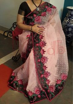 Exclusive Printed Moslin Saree With Cut Work