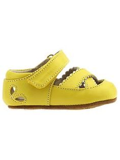 These little shoes are so darn cute!
