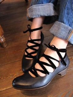 lace up low heel shoes #shoes #laceup #lowheels
