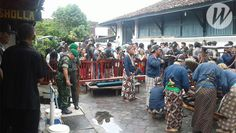 Koramil 11/Kraton Laksanakan Pengamanan Tradisi Budaya Jamasan