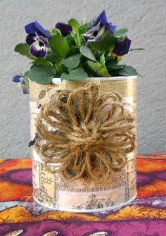 lata decorada com laço em sisal