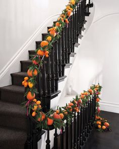Citrus Garland i love how you can use real fruit but not ruin it! It's all within a copper netting.