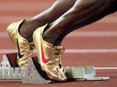 Nike Michael Johnson Golden Track Spikes 1996 Olympics Love the gold spikes! Nike Track Shoes, Gold Nike Shoes, Nike Gold, Michael Johnson, Nike Outfits, Track And Field Spikes, Track Field, Olympic Track And Field, Tatoo