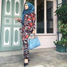 @rafidaaaaaaaah  #hijab #hijabi #hijabista #hijabstyle #hijabstreetstyle #hijabfashion #hijablover #hijablook #modest #modesty #modestlook #modestfashion #modeststreetstyle #modeststreetfashion #fashionmeetshijabi #fashionmeetsmodest #fashion #fashionstyle #fashionlover #fashionista #muslimah #tutorialhijab #tutorial #chic #muslimfashion #video #mashaallah