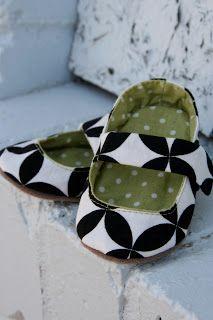 DIY cloth baby shoes...so cute!