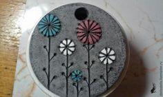 Лепим кулон с бусинками из полимерной глины - Ярмарка Мастеров - ручная работа, handmade