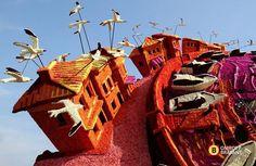 Грандиозные скульптуры из цветов в голландском Зюндерте