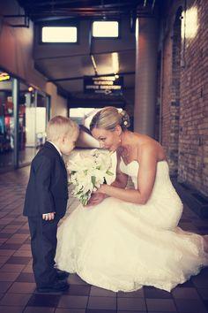 Love these tender moments with families! #FamilyWeddings #Kidsinweddings #MinnesotaWeddingPhotographers