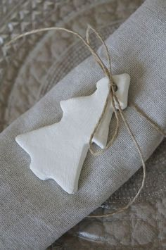 tree ornament napkin tie-have j decorate the ornaments so they can be taken home by guests