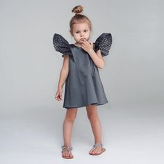 Cute Kids Fashion, Cute Outfits For Kids, Toddler Fashion, Girl Fashion, Baby Girl Birthday Dress, Baby Dress, Cute Toddler Girl Clothes, Blog Couture, Designer Baby Clothes