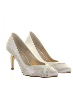 Shoe Designers Archives - Find Your Dream Wedding Dress