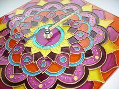 Boho-Hippie Mandala Wall Clock Glass Clock Wall Clock by heraglass  #mandala #lakasdekoracio #ajandekotlet #egyedi uvegora