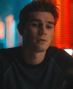 Kj Apa Riverdale, Riverdale Cast, Riverdale Archie And Veronica, Archie Andrews Riverdale, Archie And Betty, Riverdale Characters, Niall And Harry, How To Start Running, Tom Holland