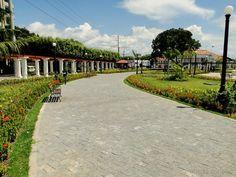Praça da Saudade e aos fundos antigo prédio do Atlético Rio Negro Clube.