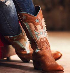 We love boots season! Botas Western, Cowboy Western, Western Boots, Cowboy Boots, Divergent, Country Style, Fashion Boots, Westerns, Shots