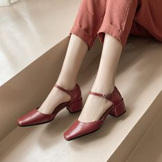Shoes Heels Pumps, Thick Heels, Toe Shape, Nike Shoes, My Style, Leather, Classy, Inspiration, Dresses