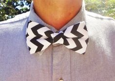 Black and White ZigZag Bow Tie by BowMeAwayByAlexandra on Etsy