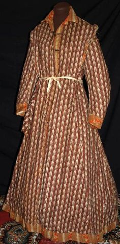 Mrs. J.M. Tyson, confederate soldiers wife, paisley roller print wool challis, fabric covered wooden buttons