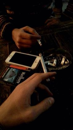 Rauch Fotografie, Cigarette Aesthetic, Smoke Pictures, Smoking Kills, Coffee And Cigarettes, Smoke Photography, Fake Photo, Tumblr Boys, Night Life