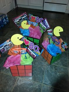 centerpieces for propps 80s Birthday Parties, Birthday Party Themes, 40th Birthday, Lila Party, 80s Party Decorations, Decade Party, 80s Theme, Skate Party, Disco Party
