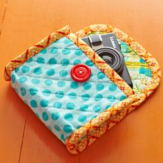 Quilted Camera Case tutorial from All People Quilt