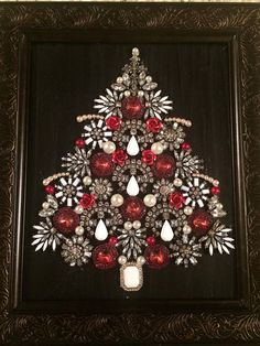 "Receive excellent pointers on ""metal tree art wall"". They are offered for you on our web site. Jewelry Wall, Red Jewelry, Jewelry Tree, Jewelry Frames, Jewelry Ideas, Costume Jewelry Crafts, Vintage Jewelry Crafts, Christmas Jewelry, Christmas Art"