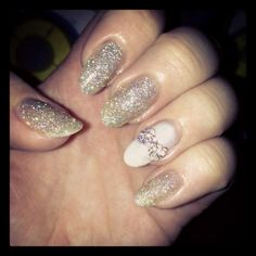 Nails - Glitter and bows
