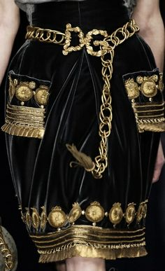 878 meilleures images du tableau Dolce   Gabanna   Couture, Jewelry ... be5a6264f9cf