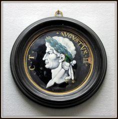 """Chateau-Ecouen-ATELIER DE JACQUES 1° LAUDIN (1627-1695) Empereurs romains: Auguste. Inscriptions: """"C.T.AVGVSTVS.II"""". Néron. Inscriptions: """"NERO CLAVDIVS CAESAR.VI"""". XVII°s. Email peint en grisaille rehaussé de polychromie.- Legs Constantin, 1881. E.CL. 10965-10968.- Auguste (63 av JC-14 apr JC) empereur de 27 avant JC à 14."""