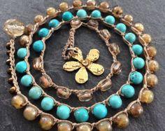 Bloem haak wrap armband - 'Daisy' turquoise blauw en brons, hanger charme ketting, cadeau voor haar door mollymoojewels