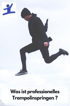 Wie bei jeder Sportart gibt es auch beim Trampolinspringen eine Profiliga. Was seinen Anfang im Zirkus nahm, ist heute vielerorts als Wettkampfsport zu sehen. Seit dem Jahr 1997 ist das Trampolinspringen sogar eine Disziplin der Olympischen Spiele: In den Spielen in Sydney traten erstmals im Jahr 2000 professionelle Trampolinspringer auf. #TrampolinSpringen #TrampolinProfessionellSpringen #JumpingFitnessTrampolin